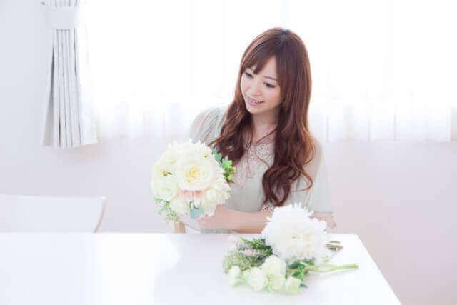 スイートピーを使った可愛らしい花束の作り方